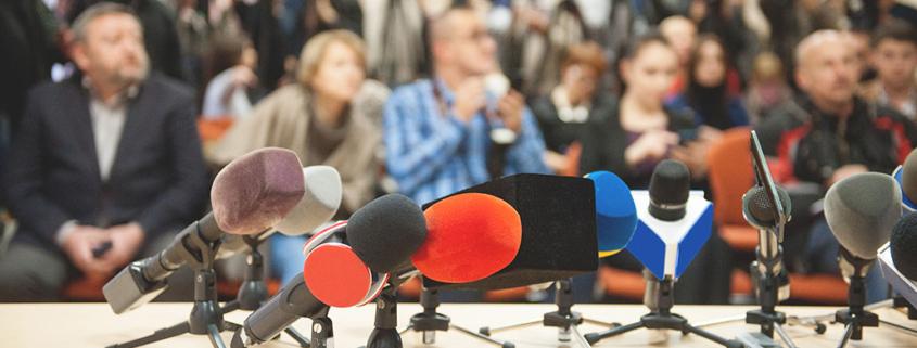 blog over communicatie staat alles stil met foto van persconferentie